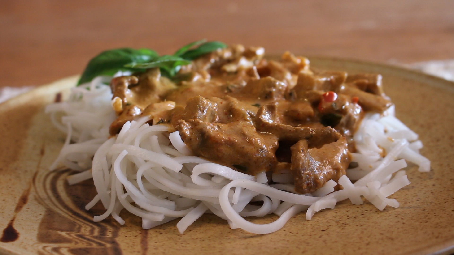 Spicy - Royal Thai Beef Curry Thumbnail